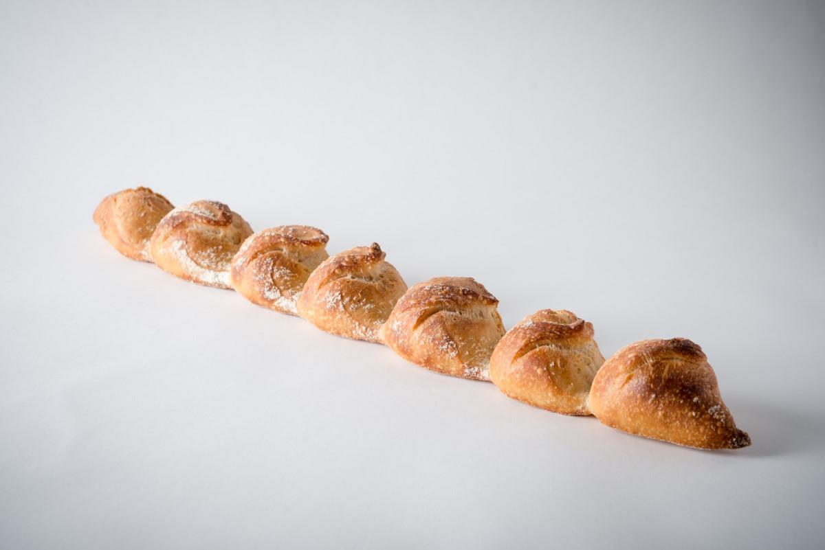 http://capitalbread.com/wp-content/uploads/2018/09/1-Baguettes-Necklace-Baguette-Custom.jpg