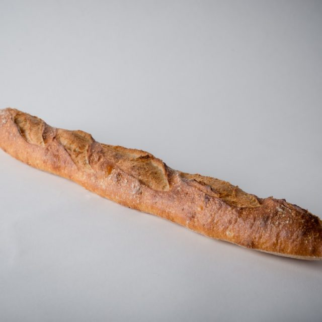http://capitalbread.com/wp-content/uploads/2018/09/Baguettes-Baguette-de-Tradition-Custom-640x640.jpg