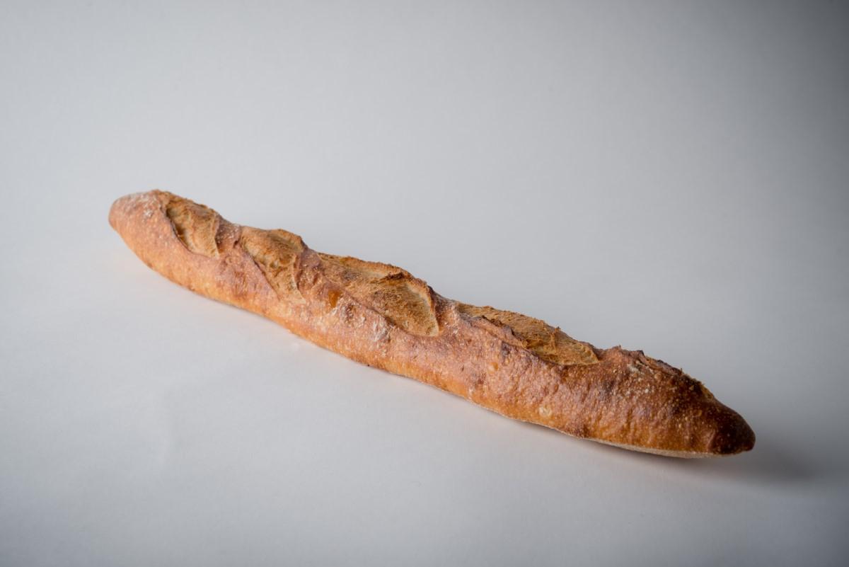 http://capitalbread.com/wp-content/uploads/2018/09/Baguettes-Baguette-de-Tradition-Custom.jpg