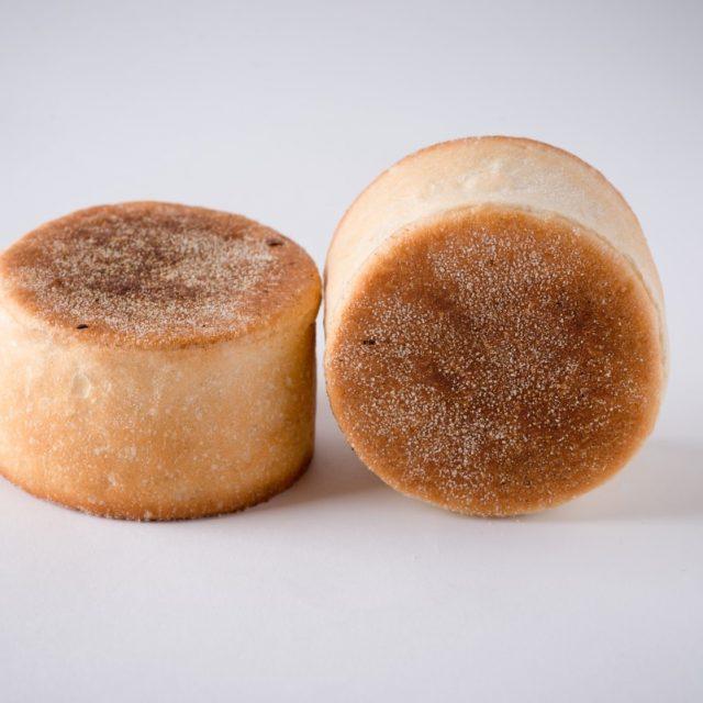 http://capitalbread.com/wp-content/uploads/2018/09/Rolls-and-Buns-English-Muffins-Custom-640x640.jpg