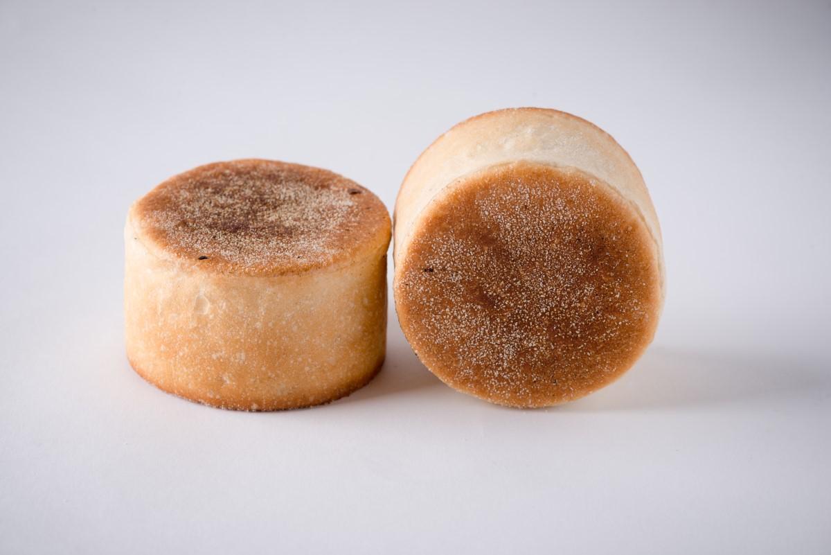 http://capitalbread.com/wp-content/uploads/2018/09/Rolls-and-Buns-English-Muffins-Custom.jpg