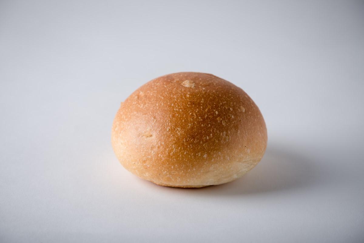 http://capitalbread.com/wp-content/uploads/2018/10/19-Rolls-and-Buns-White-Burger-Bun-Custom.jpg