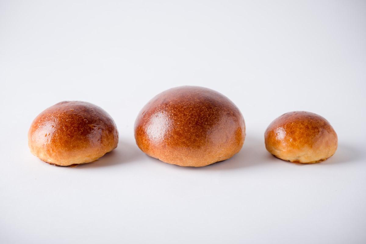 http://capitalbread.com/wp-content/uploads/2018/10/20-Rolls-and-Buns-Brioche-buns-Custom-2.jpg