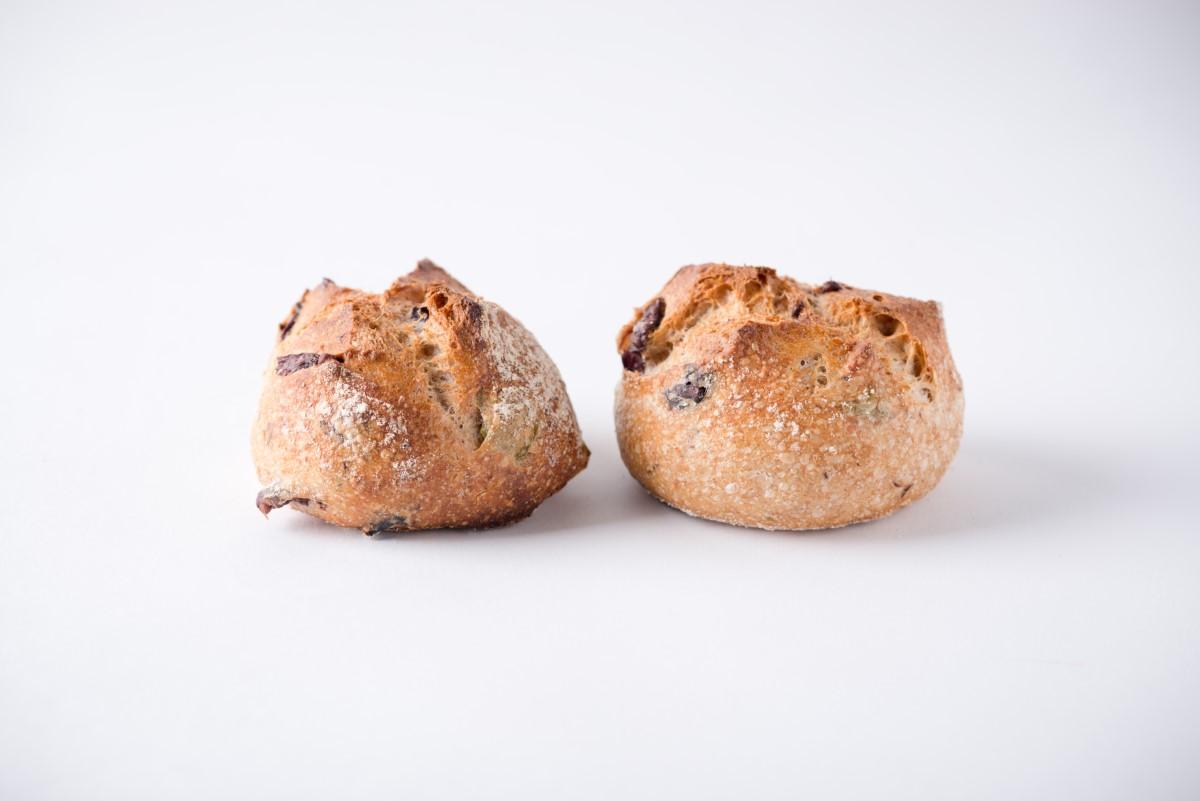 http://capitalbread.com/wp-content/uploads/2018/10/29-Rolls-and-Buns-Mini-Olives-Custom.jpg