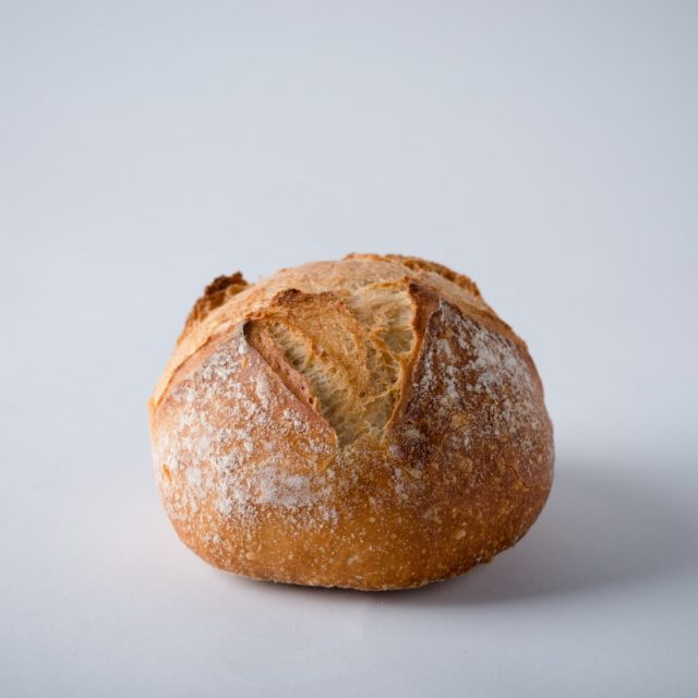http://capitalbread.com/wp-content/uploads/2018/10/30-Loaves-White-Boule-150g-Custom-640x640.jpg